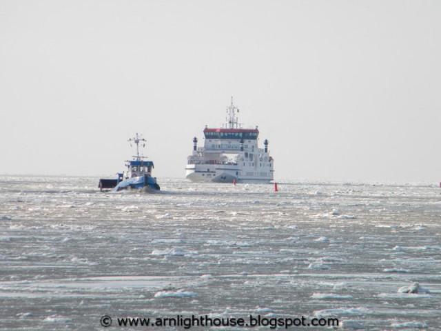 Veerboot Sier en Aquanaut als ijsbreker