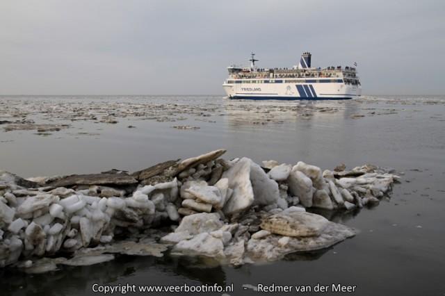 Veerboot Friesland ijsgang Harlingen