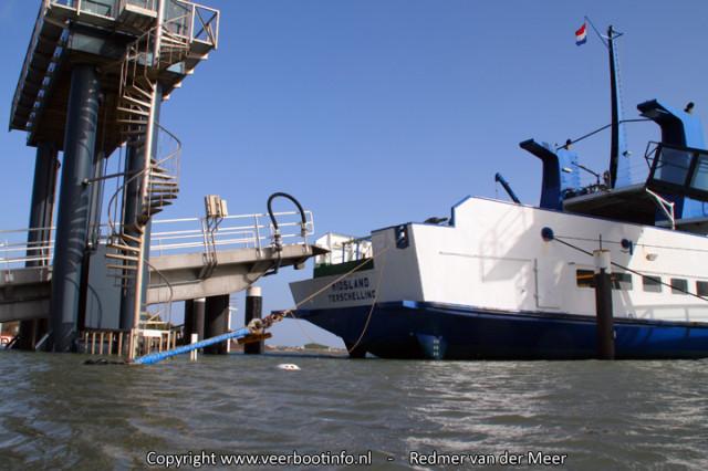 hoogwater autobrug veerboot