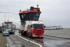 Op de pier van Ameland met bijzonder transport (VN)
