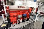 Scania-motor aan Schottel pompjet Rottum
